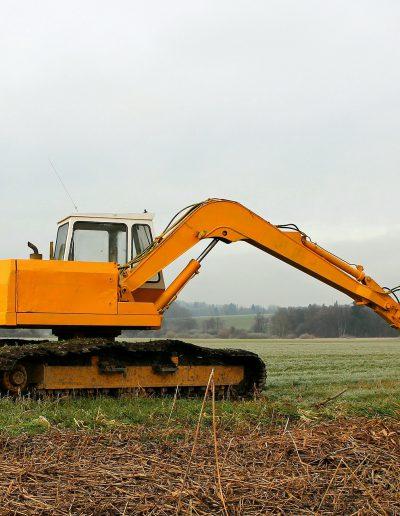 excavators-230957_1920